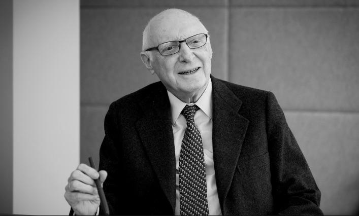 WLW se une a las condolencias por el fallecimiento de José Pedro Pérez-Llorca