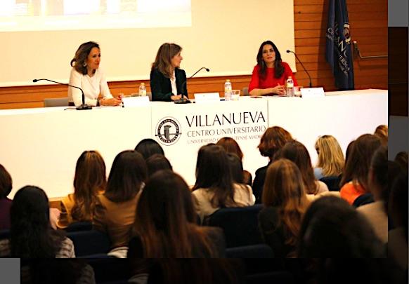 Durante la presentación del Programa de Mentoring en el Centro Universitario Villanueva.